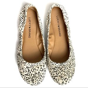 NWOT Lucky Brand Emmie White Leopard Print Flats